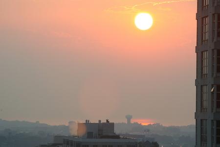 Smog rise over Toronto